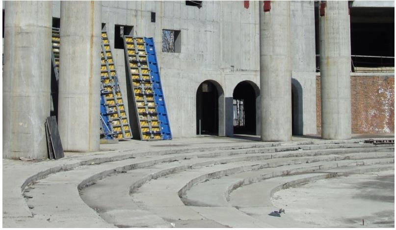 В 2017 году бригада строителей провела строительные работы по закрытию служебных проемов по всему периметру собора / sobor.in.ua
