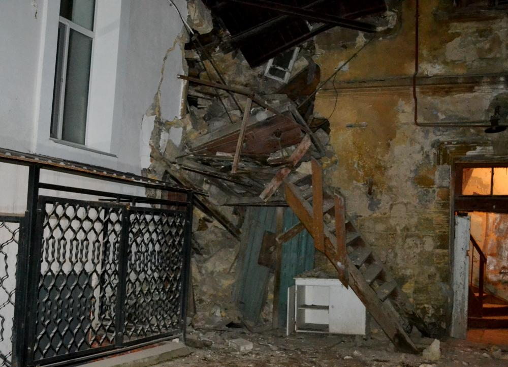 Возник частичный обвал пристроенной квартиры на втором этаже / фото odesa.dsns.gov.ua