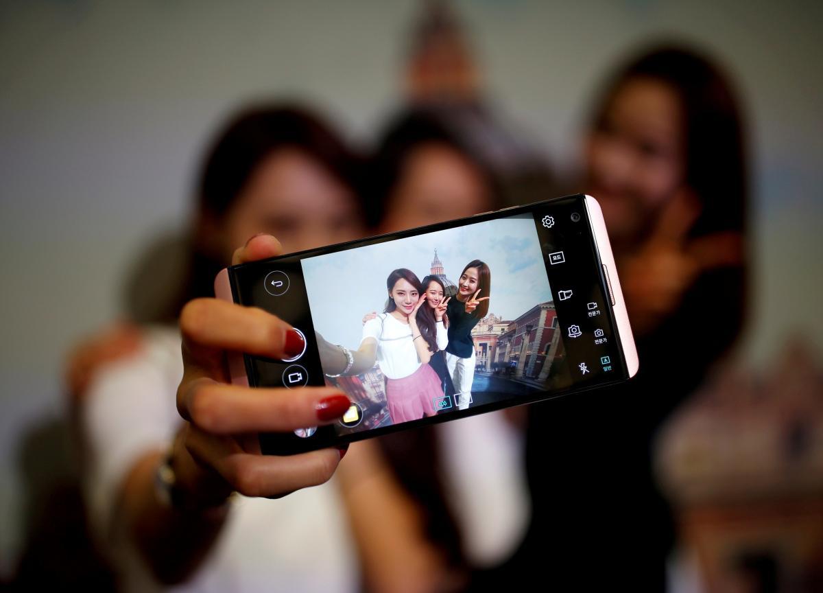 Соцмережі і смартфони не викликають психічних проблем у підлітків / фото REUTERS
