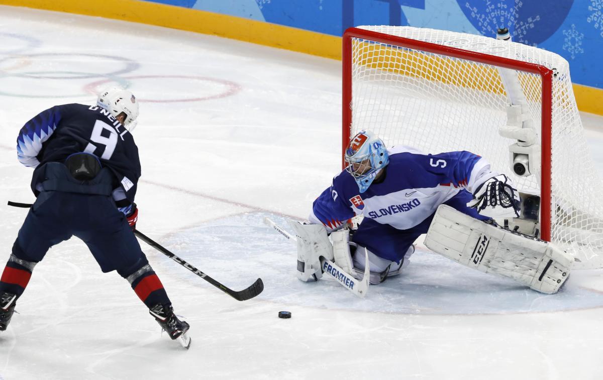Сборная США вышла вчетвертьфинал Олимпиады— Хоккей