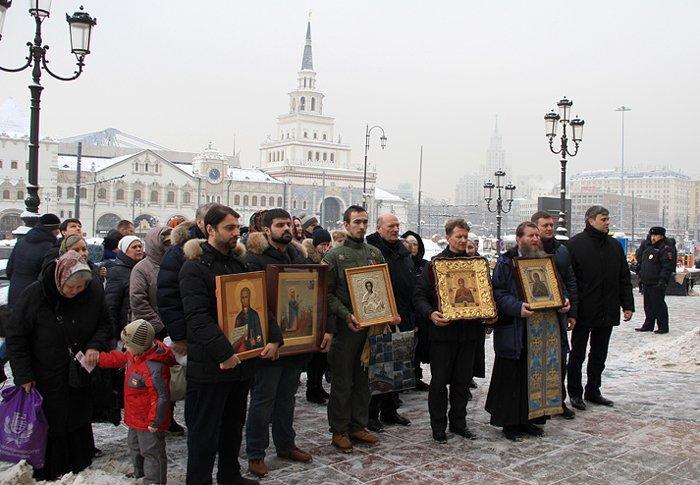 На залізничних вокзалах Москви пройшли молебні про світ / patriarchia.ru