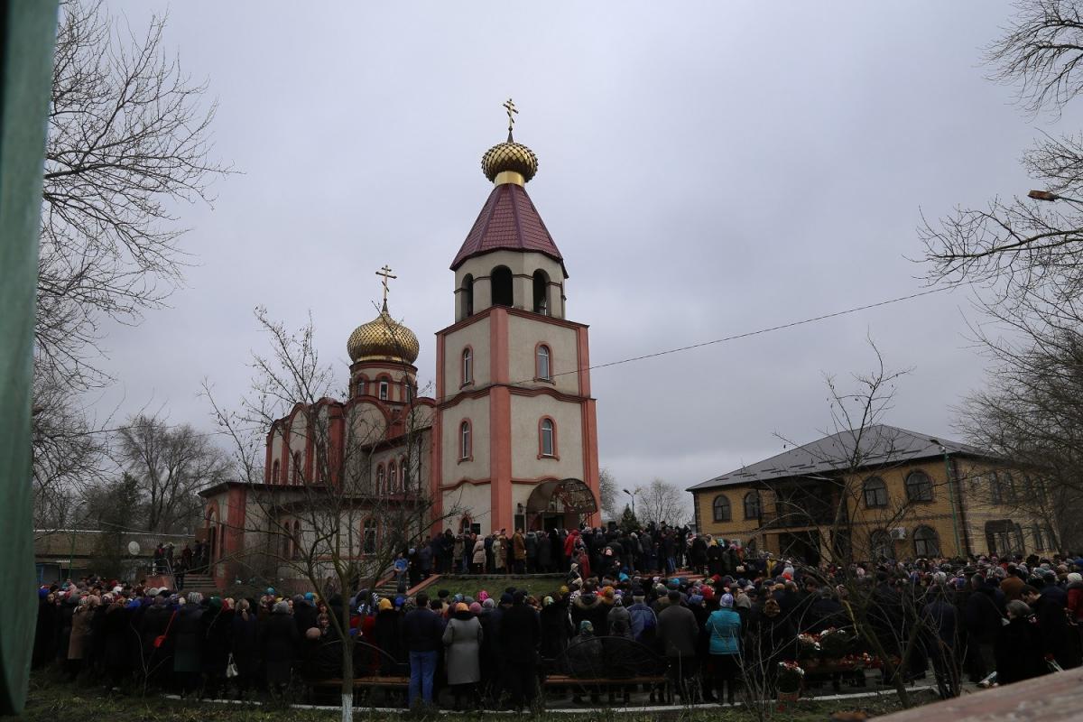 У Кизлярі попрощалися з невинно убієнними прихожанками / goragospodnya.ru