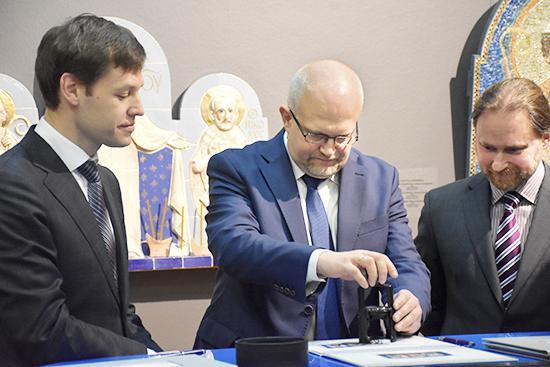 Церемония гашения почтового блока «Иконопись XXI века» / belpost.by