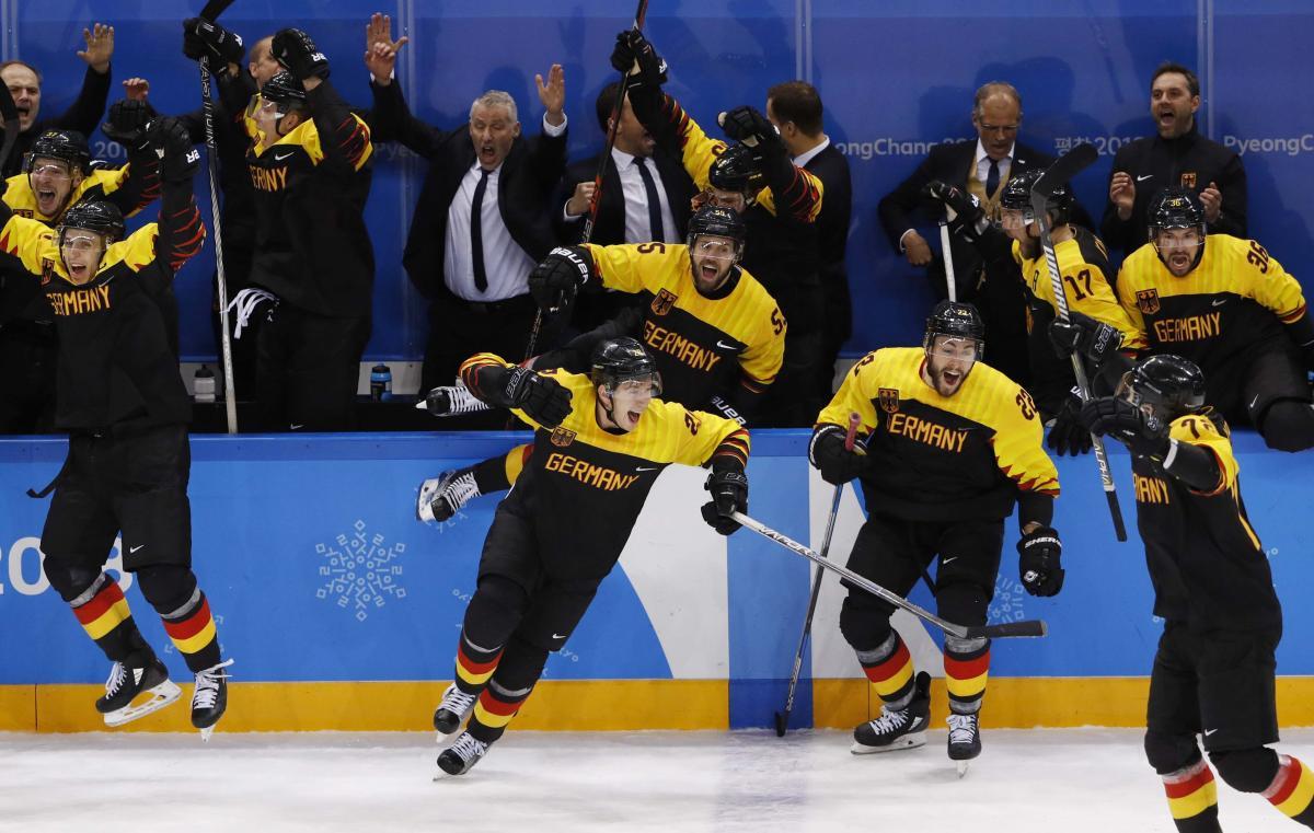 Сборная Германии сенсационно обыграла шведов в четвертьфинале / REUTERS