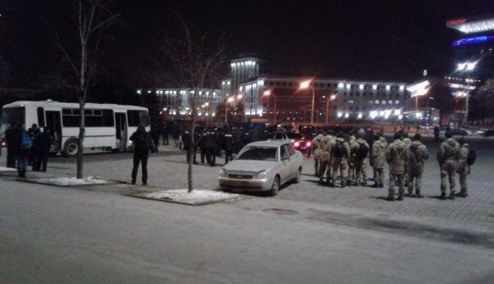 Фанаты двух команд подрались на площади Свободы / facebook.com/gorobec.y