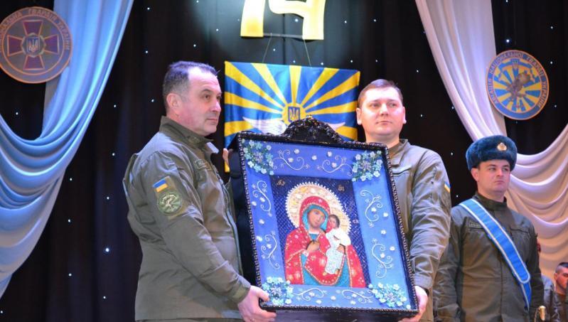 Икона стала подарком в день празднования годовщины воинской части / alexandria-eparhia.org.ua