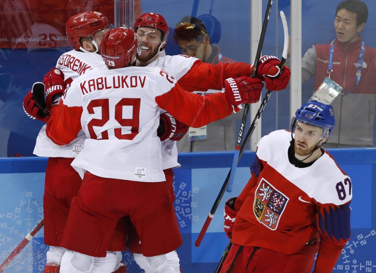 Российские хоккеисты уверенно обыграли чехов в полуфинале / Reuters