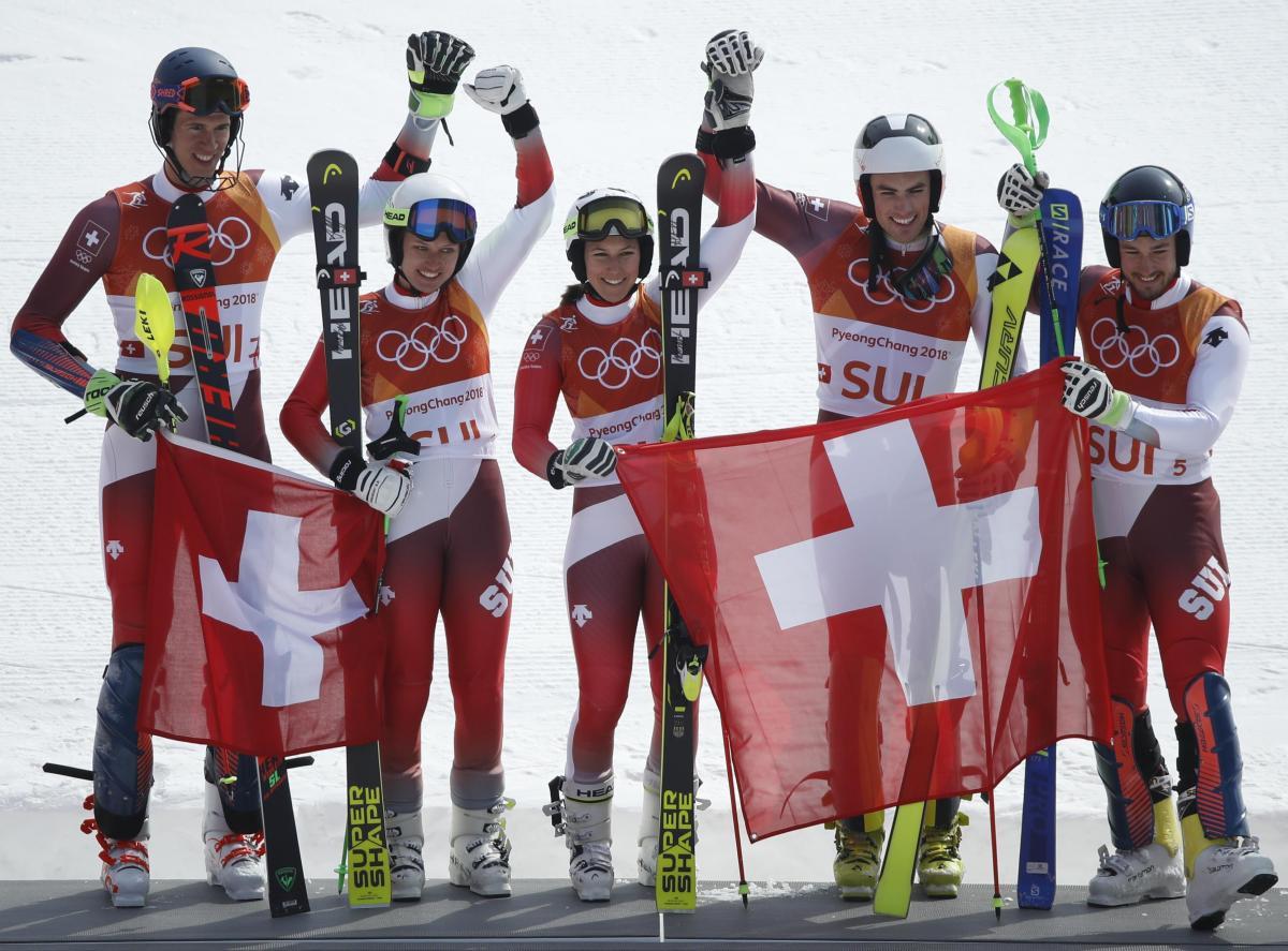 Збірна Швейцарії виграла олімпійський турнір у міксті у гірськолижників / Reuters
