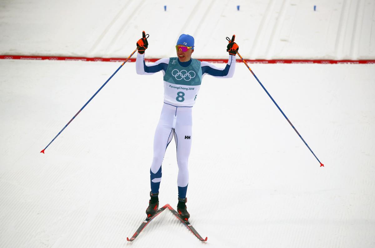 Лыжники Большунов иЛарьков выиграли серебро ибронзу наОлимпиаде