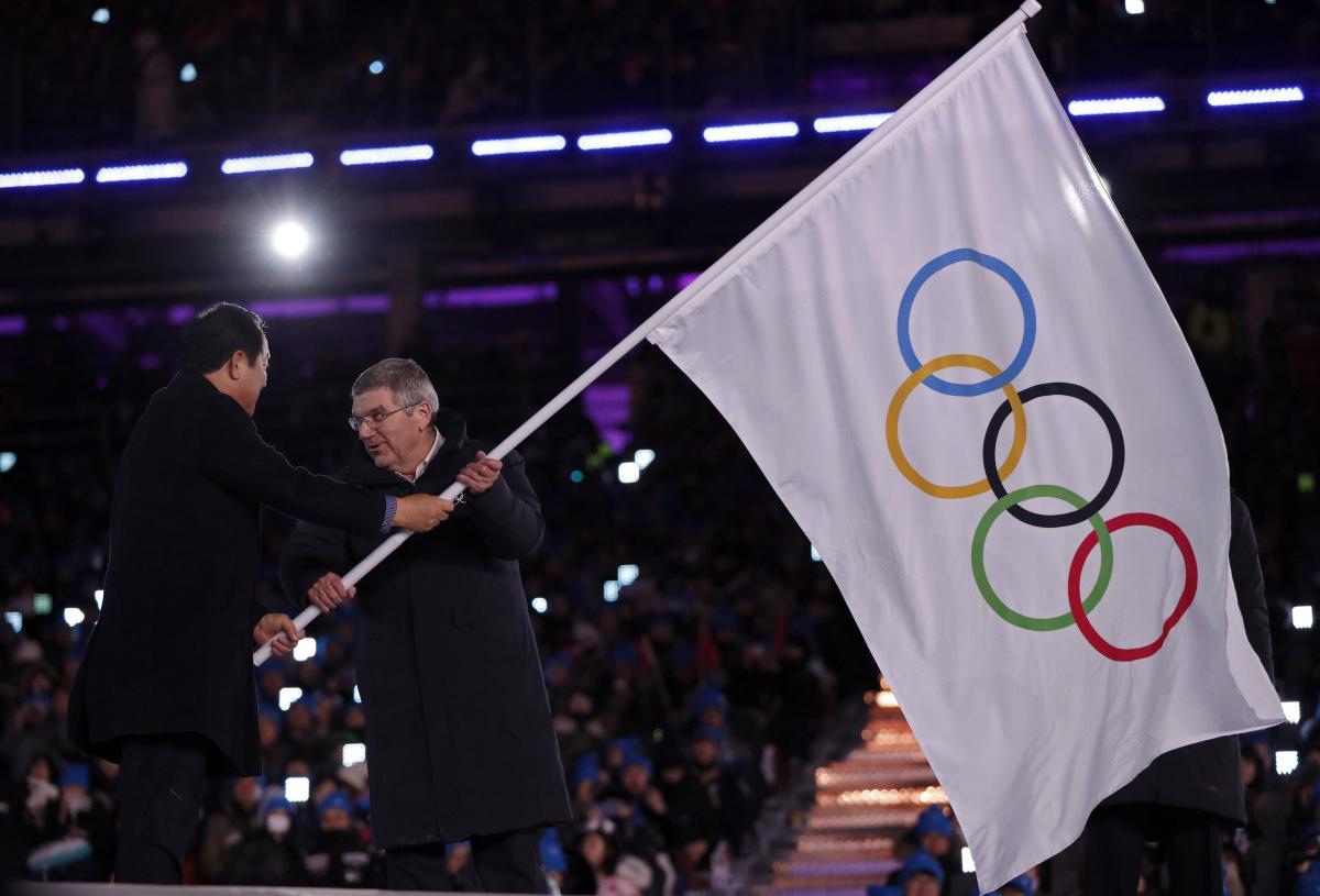 МОК не знає кому передасть прапор для проведення Ігор-2026 / Reuters