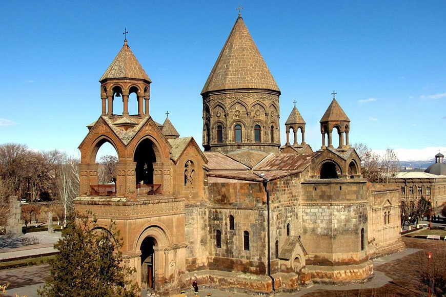 Эчмиадзинский кафедральный собор / armeniantrip.com