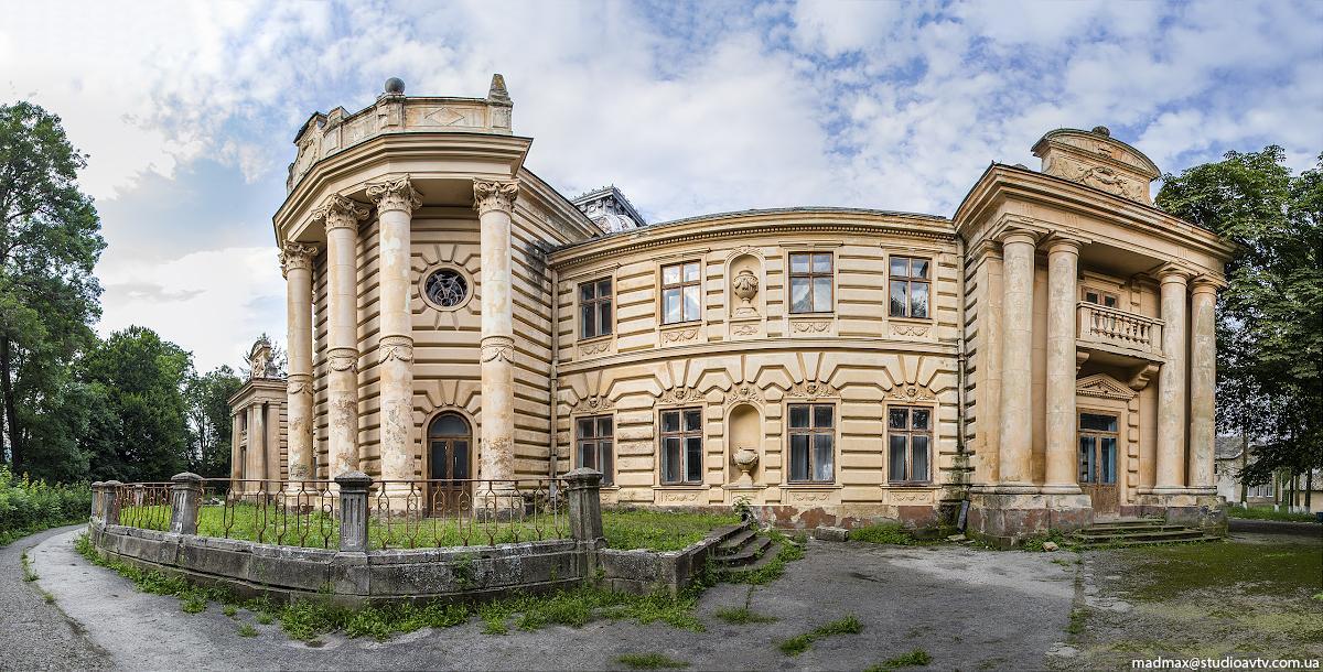 Палац вражав своєю красою та багатством оздоблення внутрішніх залів / Фото: m-a-d-m-a-x.livejournal.com