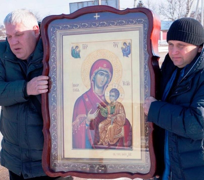 Хресний хід відбувся зі списком Іверської ікони Божої Матері / orthodox-kr.org.ua