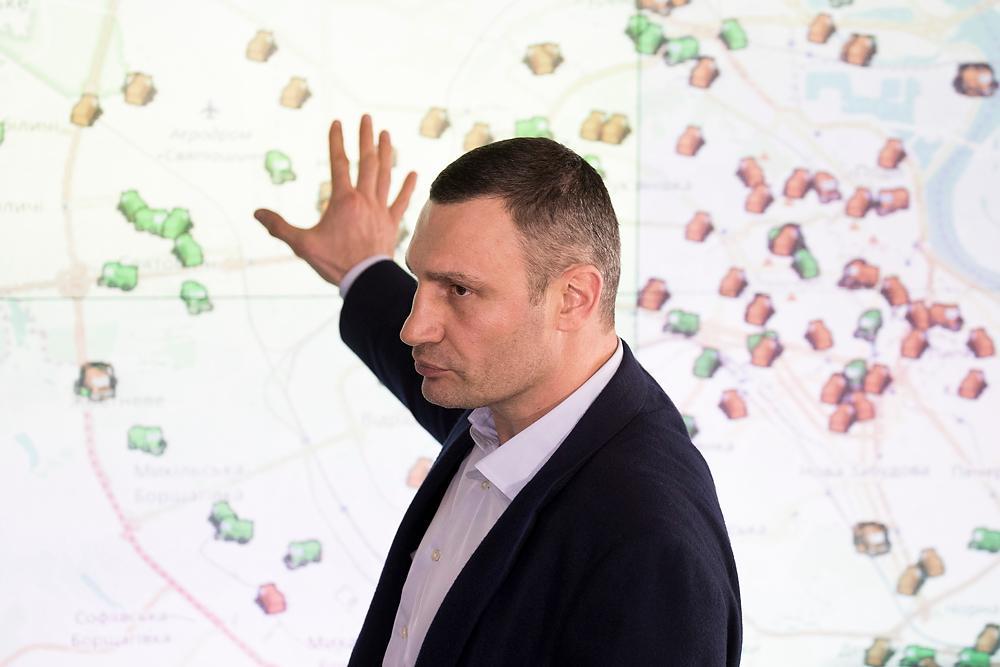 По словам Кличко, это только начало снегопадов, которые прогнозируют синоптики / kiev.klichko.org