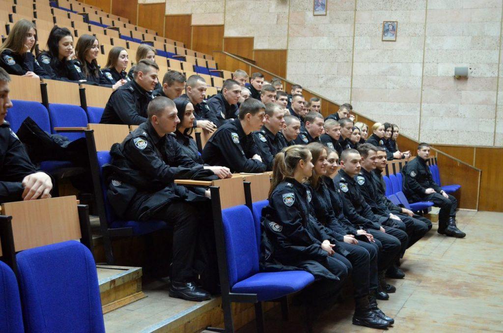 обсуждался дискуссионный вопрос востребованности христианства в XXI веке / kapelan.org.ua