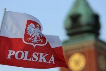 Потужний шторм у Польщі: дерево вбило заступника мера міста (відео)