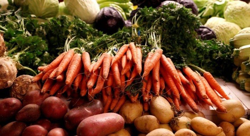 В Тернопільській області у січні найбільше подорожчали овочі та фрукти, подешевшали – цукор та риба