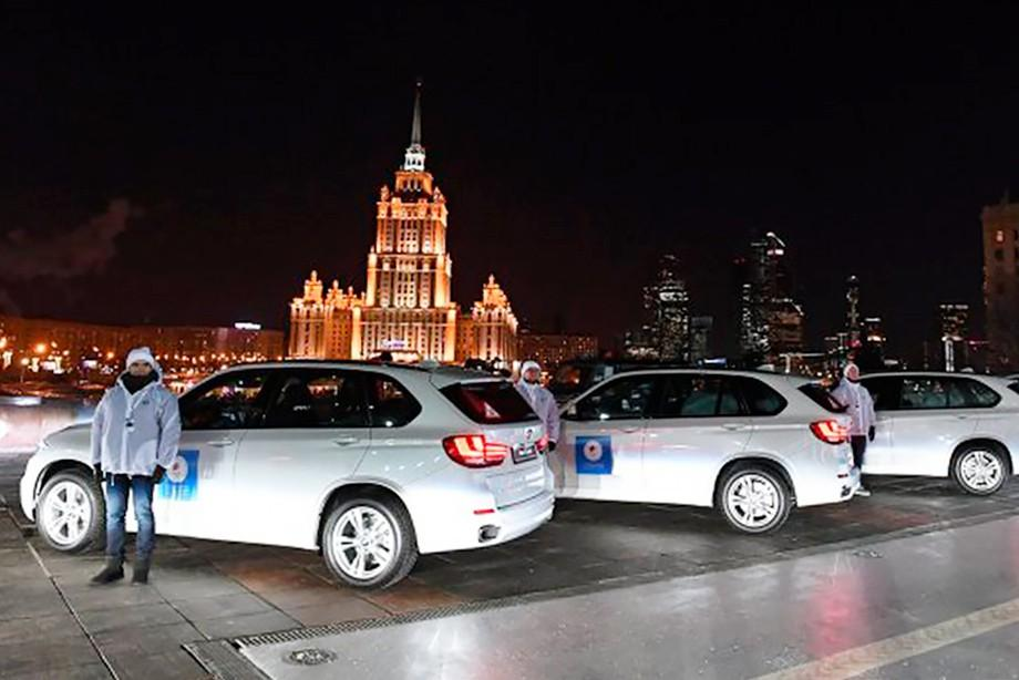 Правительство России вручил чемпионам Олимпийских игр не те автомобили, которые обещал / РИА Новости