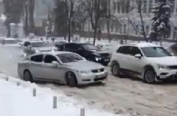 / Скриншот - Facebook. Киев Автомобильный