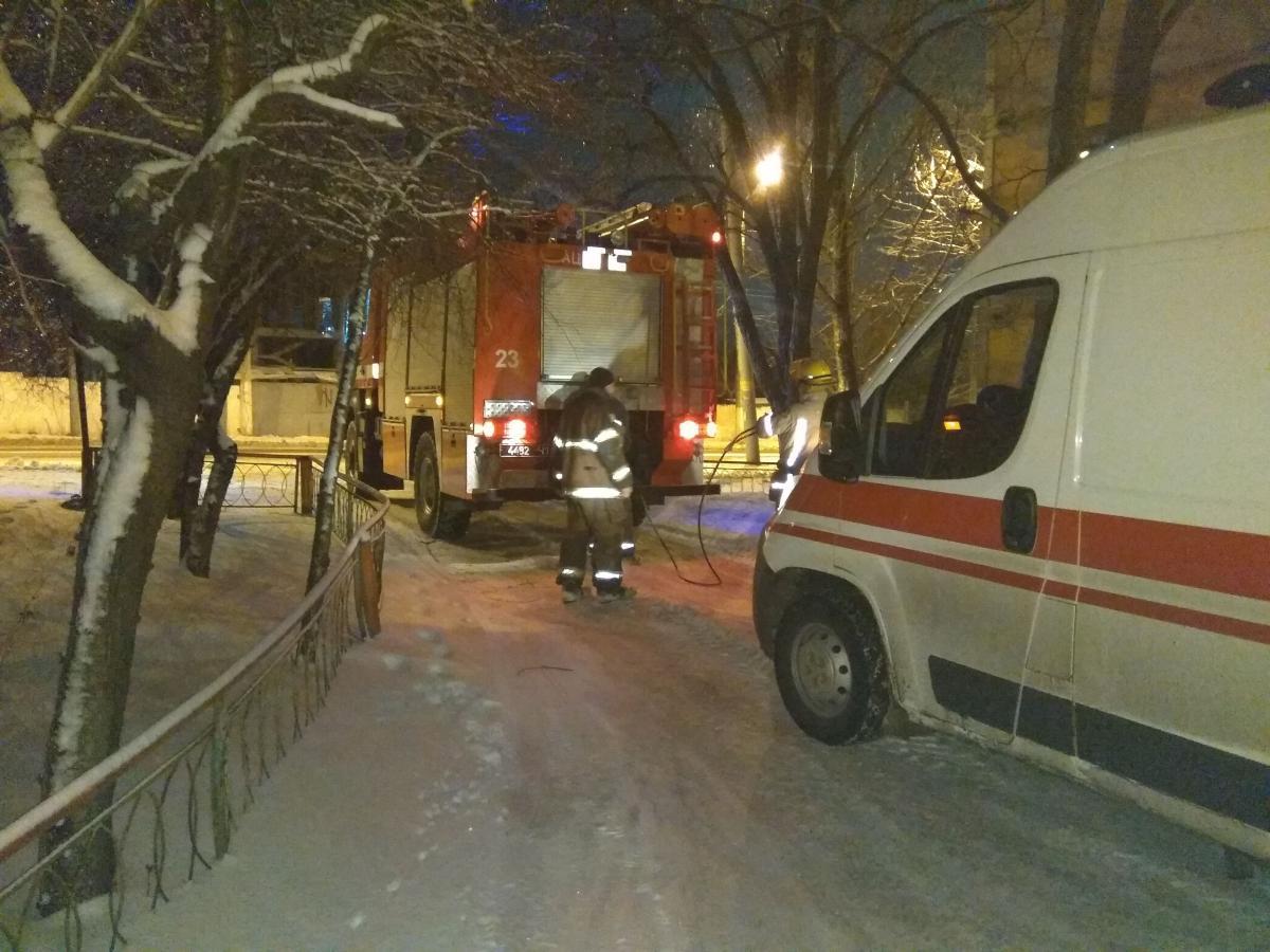 В Полтавской области 300 автомобилей застряли в снежных заносах / ГСЧС