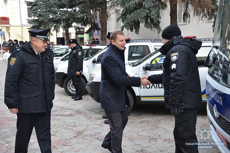 Патрульні поліцейські Тернопільщини отримали нові авто / фото Нацполіція України