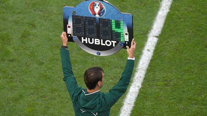ФІФА вводить четверту заміну в футболі / Marca