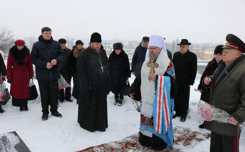 Митрополит Августин совершил заупокойную литию по погибшим воинам / bc-eparchy.org.ua