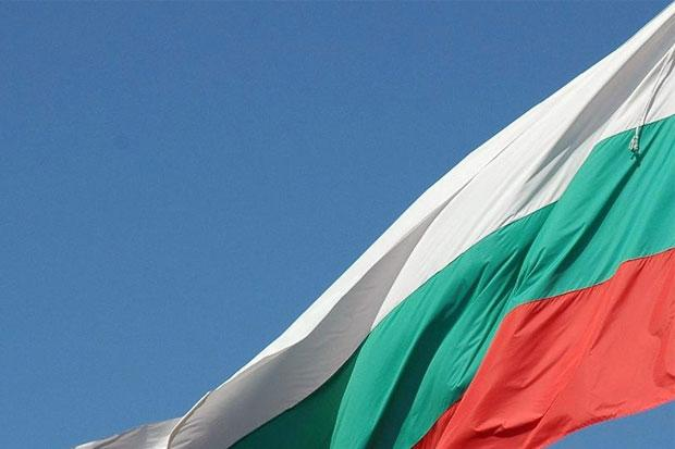 Прапор Болгарії / flataway.ru