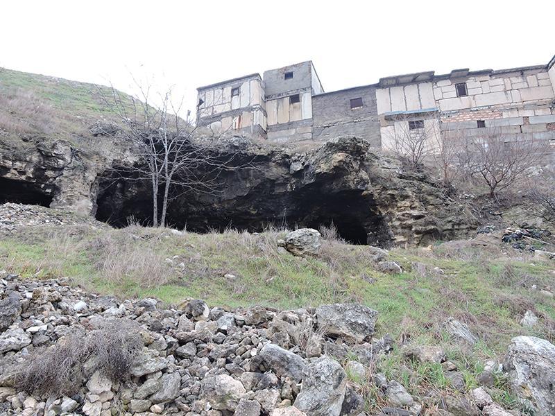 Перша за 500 років звершена Божественна літургія біля печерного храму в Криму / crimea-eparhia.ru