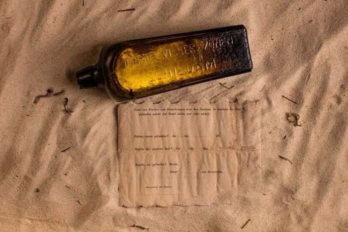 В Австраліїї нашли бутылку с запиской, которой более 130 лет / фото Kym Illman