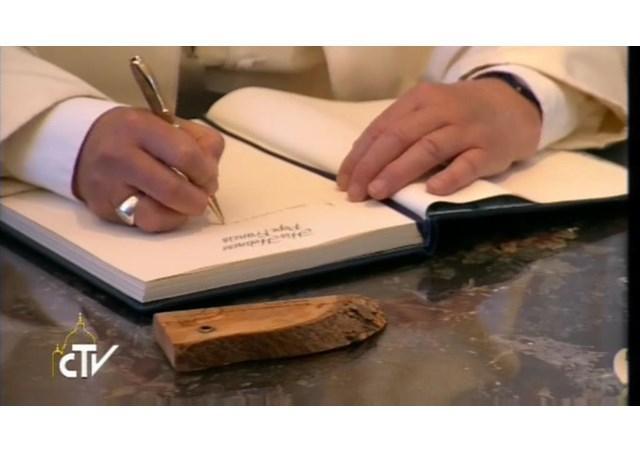 Папа написав передмову до книги / ru.radiovaticana.va