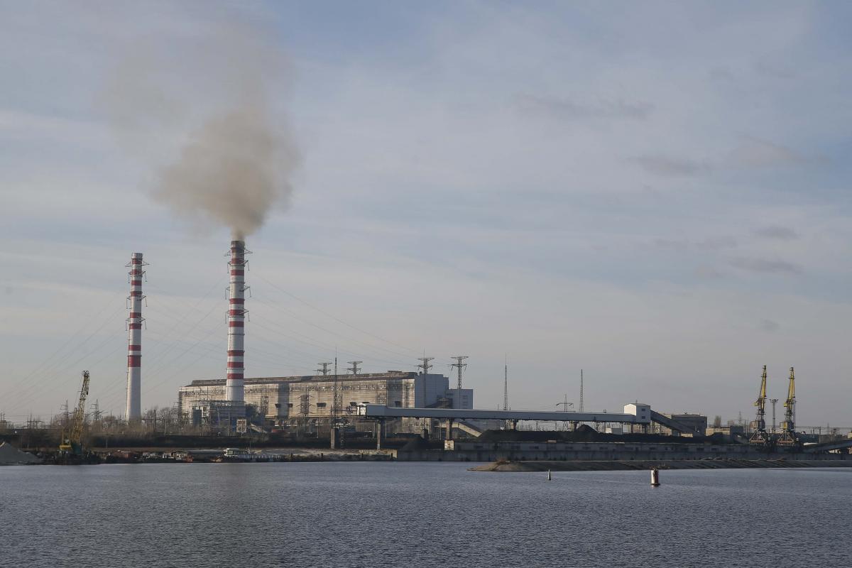 Запасы угля на складах ТЭС практически исчерпались / фото REUTERS