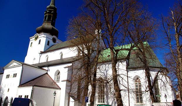 Церковь заплатит лишь госпошлину и издерки нотариуса / blagovest-info.ru