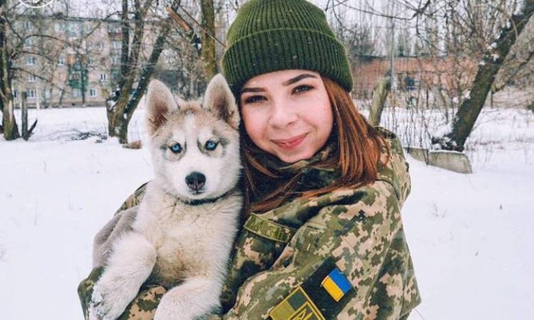 рукоРуководство країни привітало українок з 8 Березня