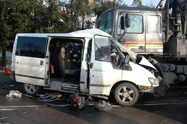 В момент аварии на дороге было скользко и рулить было сложно / фото nowiny24.pl / Łukasz Solski