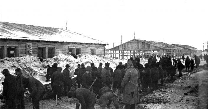 Заключенные исправительно-трудовых лагерей / kolyma.ru