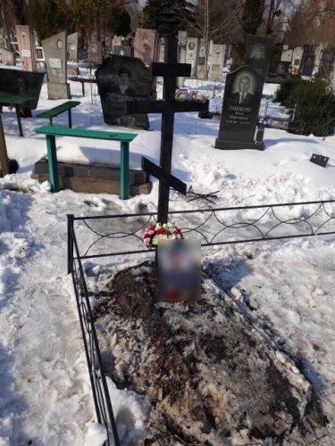 У Черкасах невідомі підпалили хрест на кладовищі / provce.ck.ua