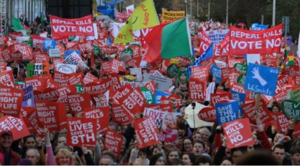 «Марш жизни» / irishtimes.com