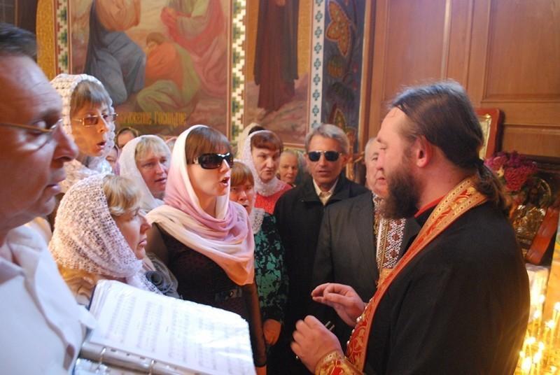 Каждое воскресенье хор поет в храме / volyn.church.ua