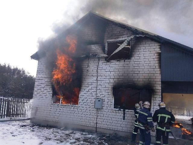 27 февраля на Житомирщине спасатели ликвидировали пожар в частном доме / фото ГСЧС в Житомирской области