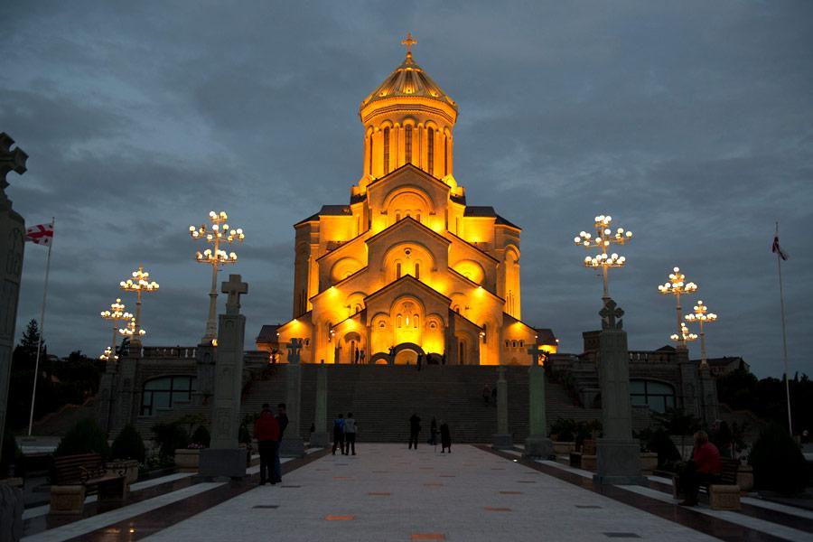 Кафедральный собор Самеба, Тбилиси / advantour.com
