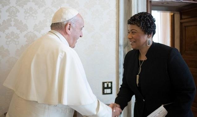 Папа Римский встретился с дочерью Кинга / REUTERS