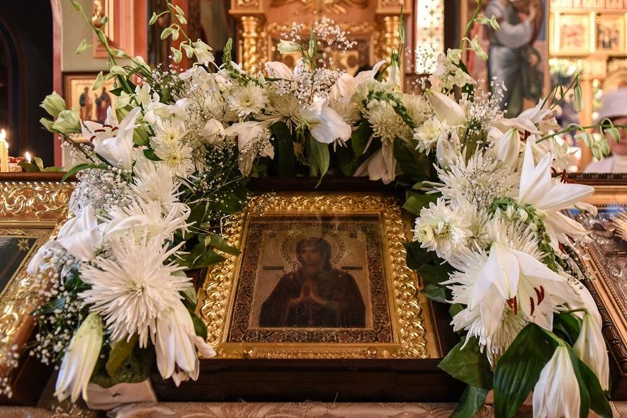 В Восточно-Американскую епархию РПЦ прибыла мироточивая икона Божией Матери «Умягчение злых сердец»