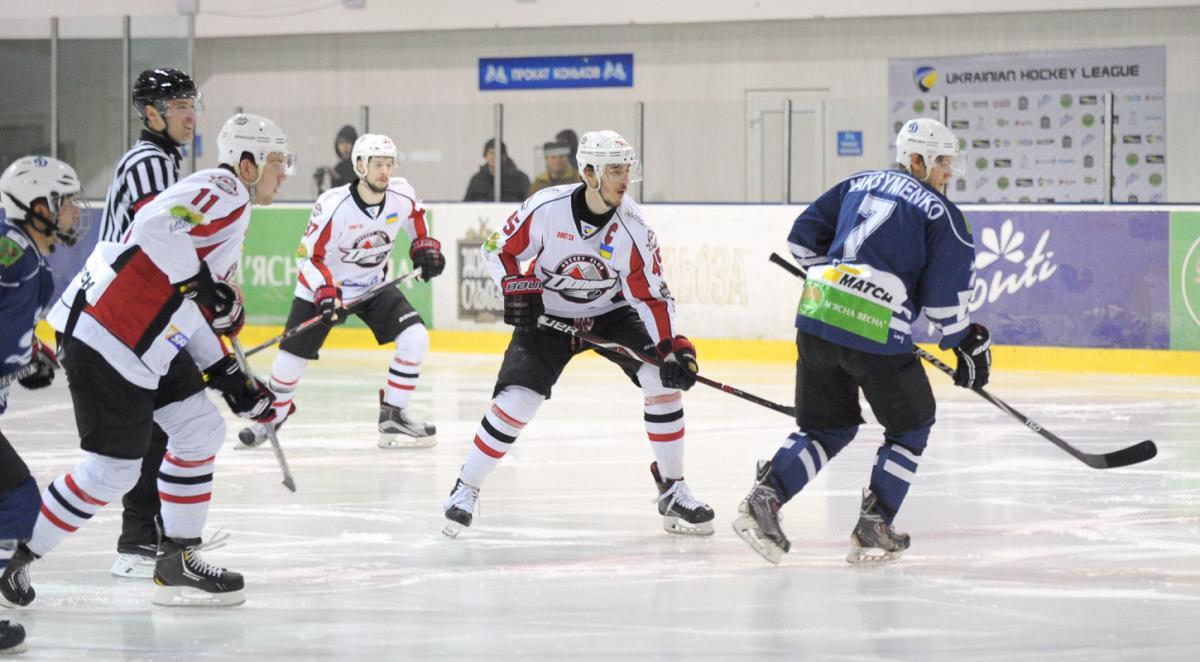 Хоккей: «Донбасс» разгромил «Динамо» вовтором матче полуфинала плей-офф УХЛ