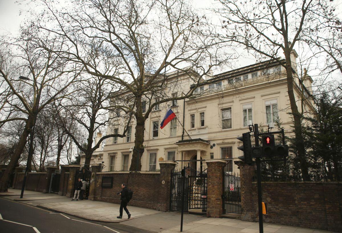 Здание посольства России в Лондоне / REUTERS