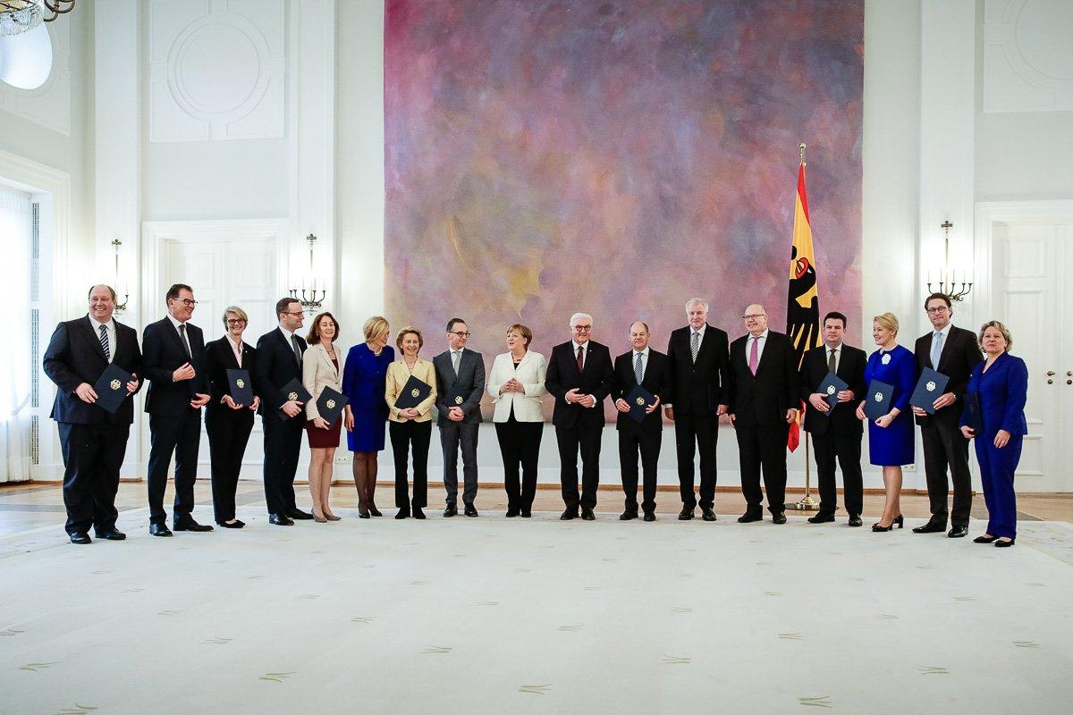 Новый Кабмин канцлера Меркель в полном составе после назначения / Фото twitter.com/RegSprecher