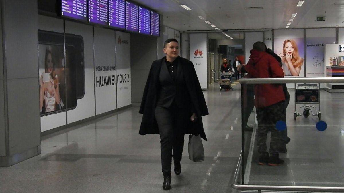 """Надія Савченко в аеропорту """"Бориспіль"""" / фото strana.ua"""