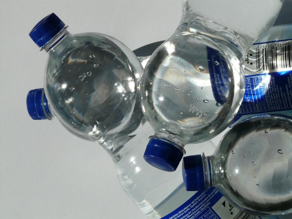 ВОЗ не считает микропластик в питьевой воде угрозой здоровью /pixabay.com