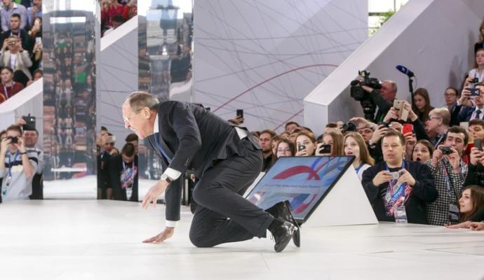 Офіційні кремлівські ЗМІ не помітили трагедії в Кемерові: в цей час показували ігри та фільм про Путіна, - журналістка Корольова - Цензор.НЕТ 7510