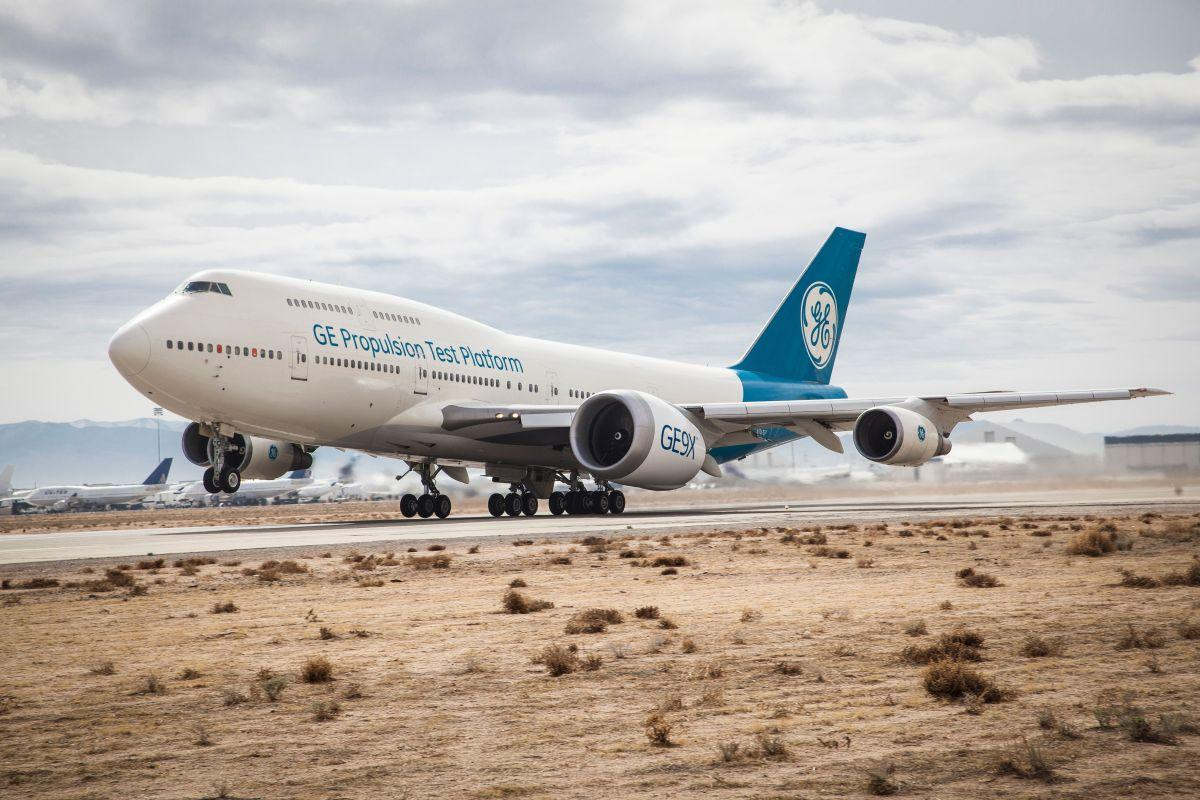 Новый двигатель был установлен на летающую лабораторию на базе Boeing 747 / фото geaviation.com